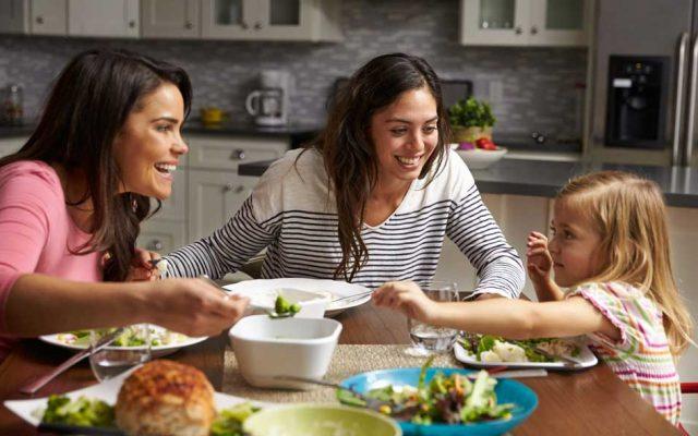 子供に分からぬよう、野菜を与えるのはやめにしよう。