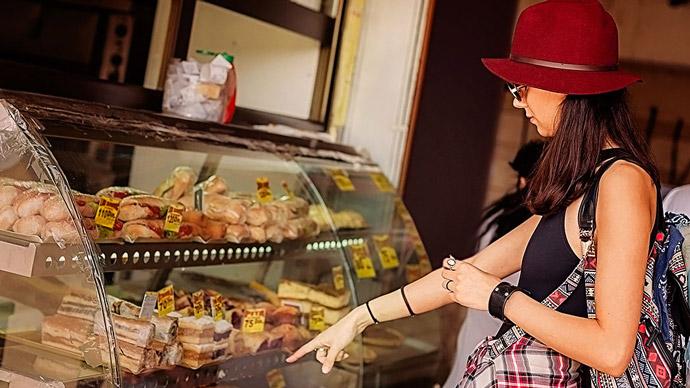 食品スーパーで衝動買いを防ぐ10個の簡単な方法